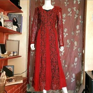 ❤🖤 Gorgous Red & Black Lace Overlay Dress🖤❤
